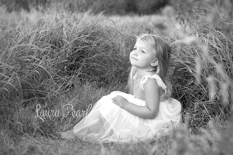 Gorgeous early morning session on the east coast of Oahu. Beautiful, 3 year old Ally and an incredible dress makes for amazing photos.